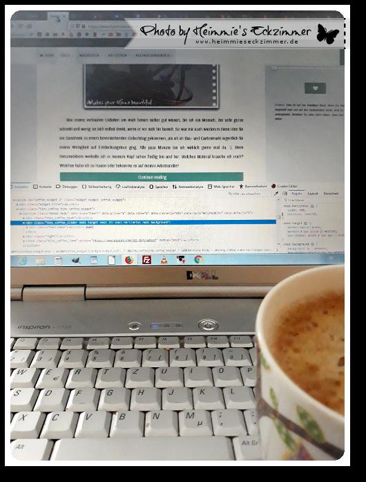 Erste Tasse Kaffee und mein Laptop.