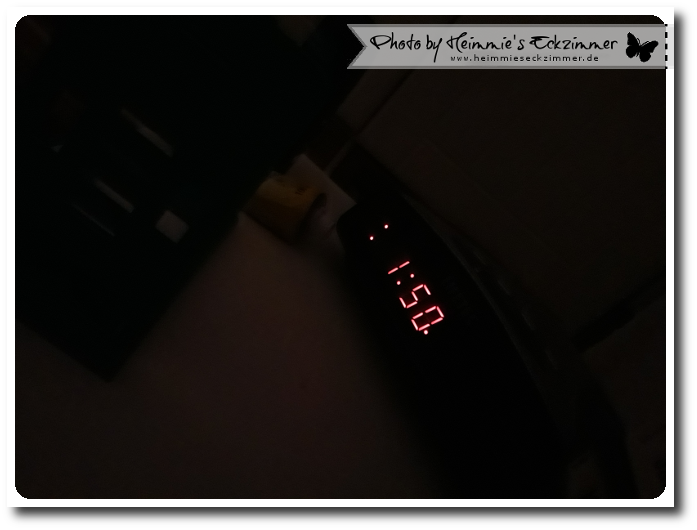 Blick auf den Wecker 1.50 Uhr
